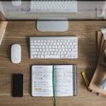 Hur skiljer sig teknisk analys från fundamental analys?