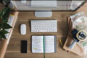Hur skiljer sig teknisk analys från fundamental analys