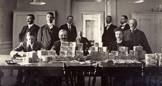 1904 fick Riksbanken ensamrätt att ge ut sedlar